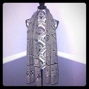 GAP Black&White Striped Thick Knit Scarf or Wrap!